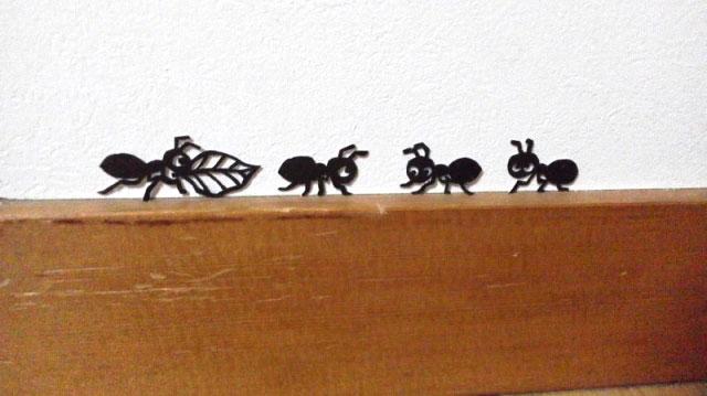 蟻の切り絵
